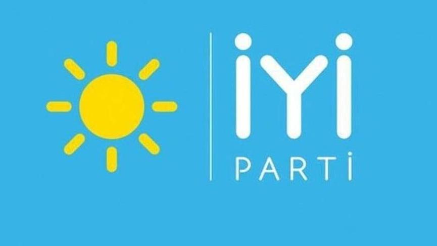 İYİ Parti'den istifa haberleri gelmeye devam ediyor! Antalya teşkilatı istifa etti