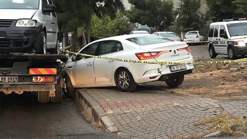 Kaza yapan araçtan bıçaklanmış ceset çıktı