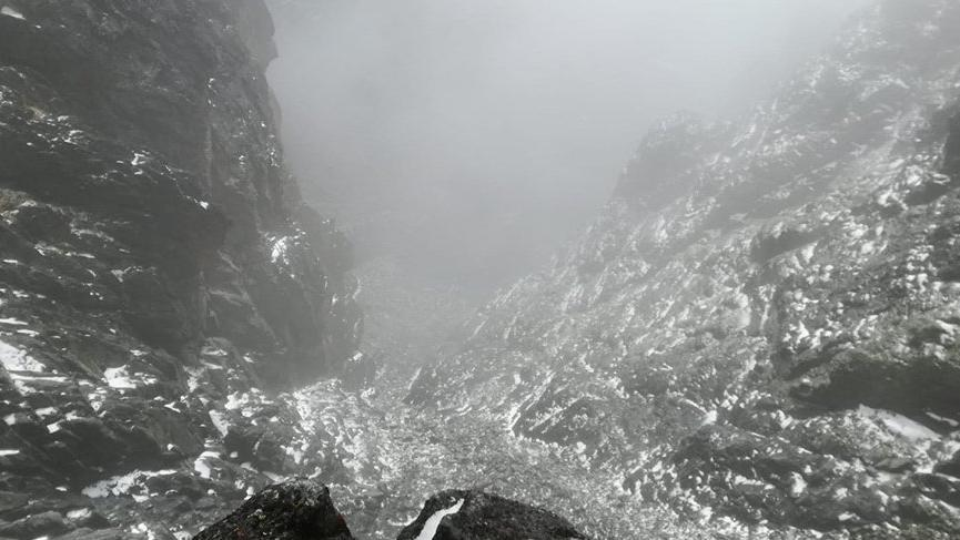 Kaçkarlara mevsimin ilk karı düştü