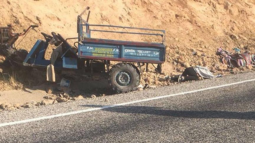 Küçük araçla büyük kaza: 2 ölü, 8 yaralı