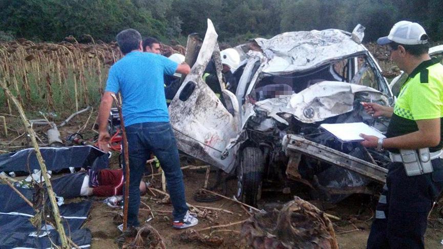 Tekirdağ'da feci kaza: 3 ölü, 2 yaralı