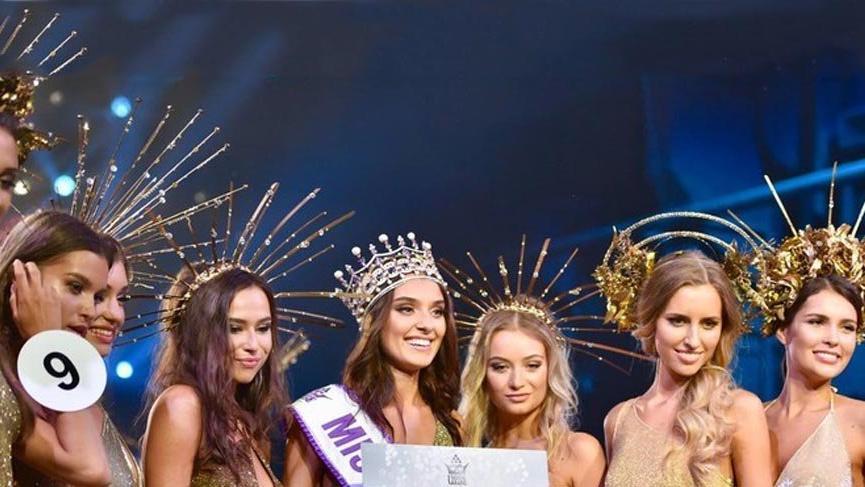 Ukrayna Güzellik Kraliçesi Veronika Didusenko tacını geri vermeyecek