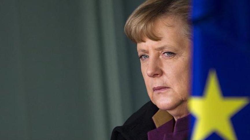 Merkel hükümetinde beklenmedik deprem