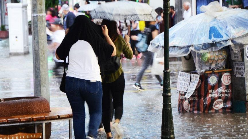 Karadeniz'e Meteoroloji'den sağanak yağış uyarısı!