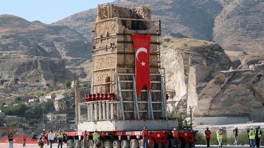 İmam Abdullah Zaviyesi, yeni yerinde 300 tonluk minaresine de kavuştu