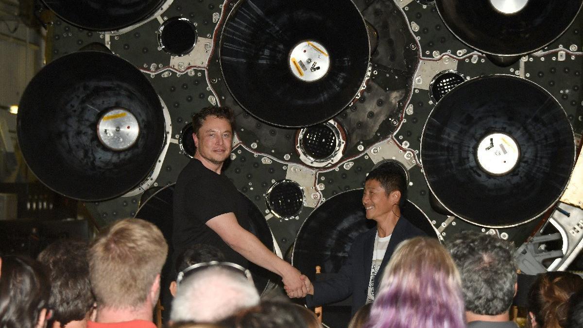 Elon Musk ilk uzay turistinin ismini açıkladı