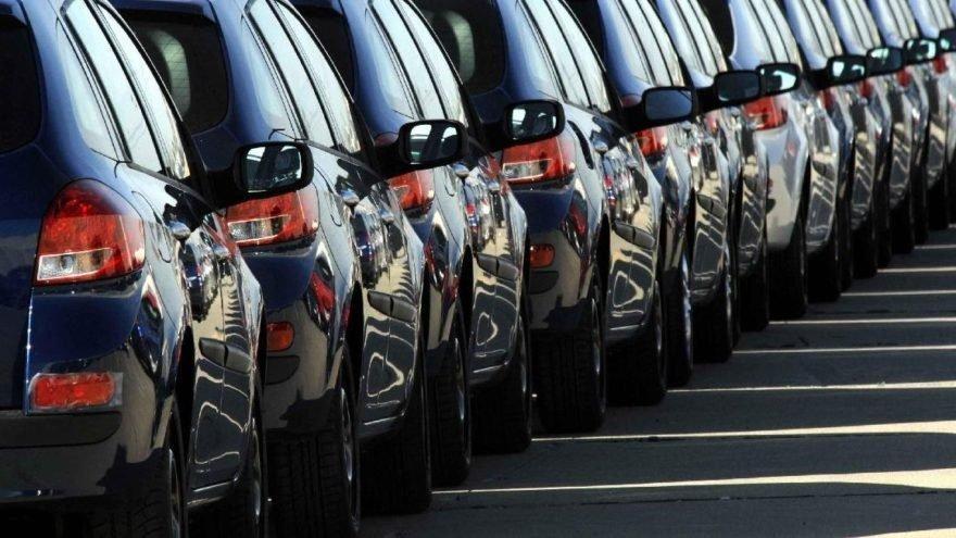 İran'ın otomobil ithalatı üçte iki azaldı