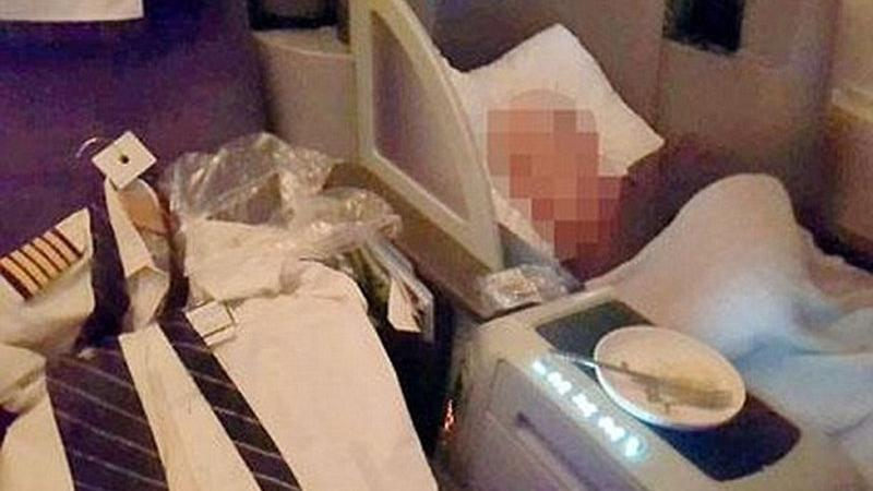 Uçakta korku dolu anlar… Pilotu böyle buldular