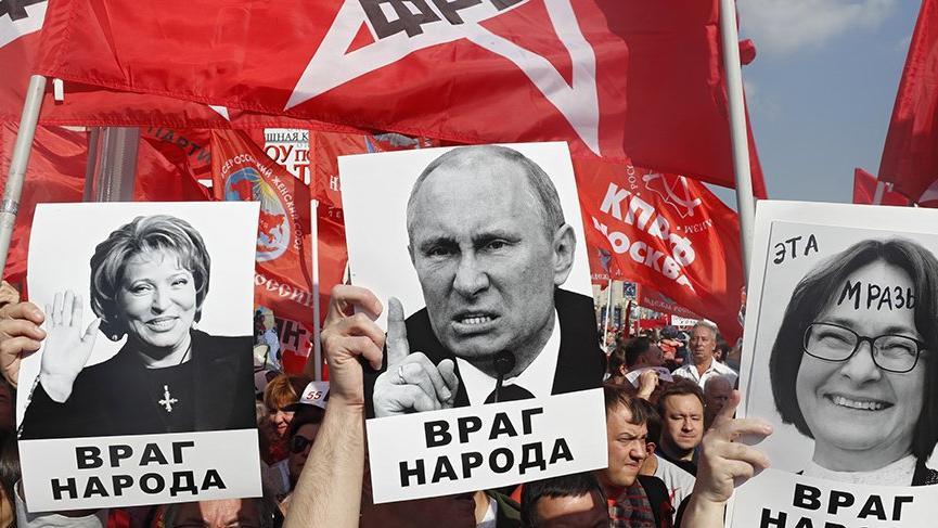 Rusya'da emeklilik yaşı protesto ediliyor