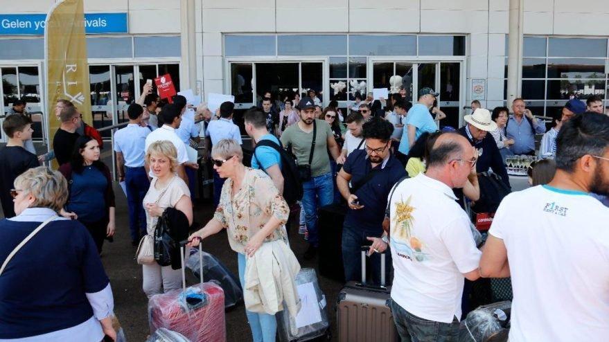 Antalya'ya gelen yabancı ziyaretçi 11 milyonu aştı