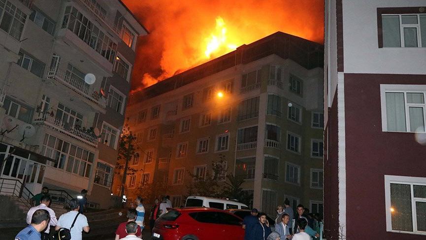 Yozgat'ta yangın! 5 daire kullanılamaz hale geldi