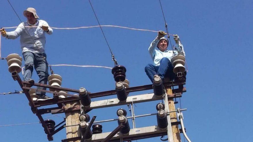 Elektrik direğinden düşen belediye işçisi hayatını kaybetti