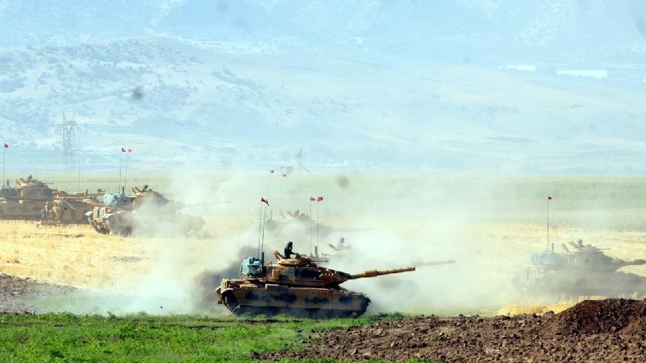 TSK teyakkuzda! Suriye sınırına modernize edilmiş M-60 tanklarla önlem