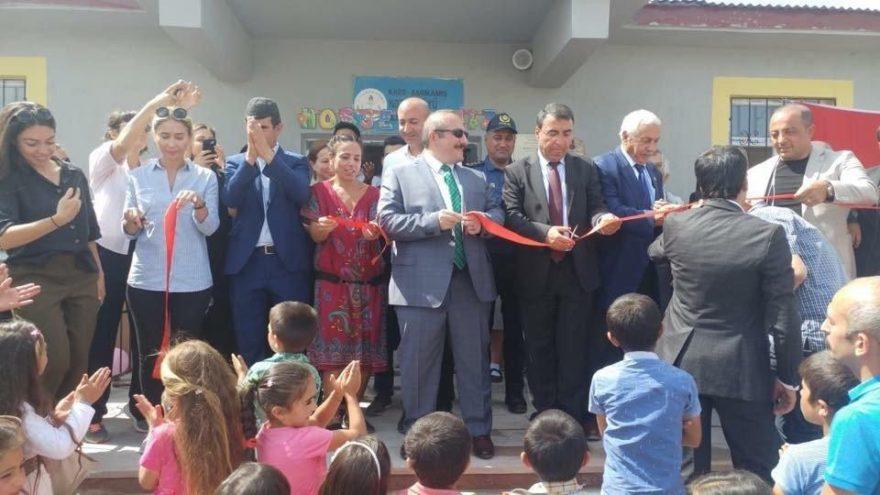 Sarıkamış'ta hayırsever tarafından yapılan okulun açılışı yapıldı