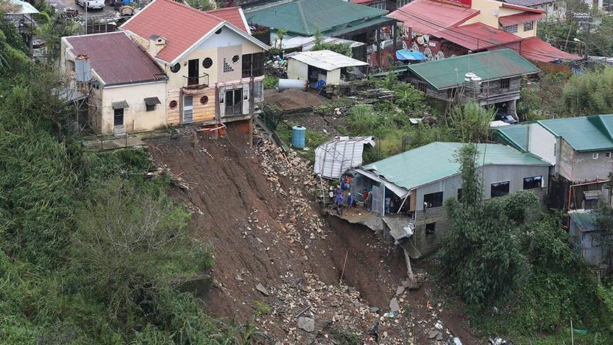 Çin'de Mangkhut tayfunu nedeniyle kırmızı alarm! Hayatını kaybedenlerin sayısı 64'e yükseldi