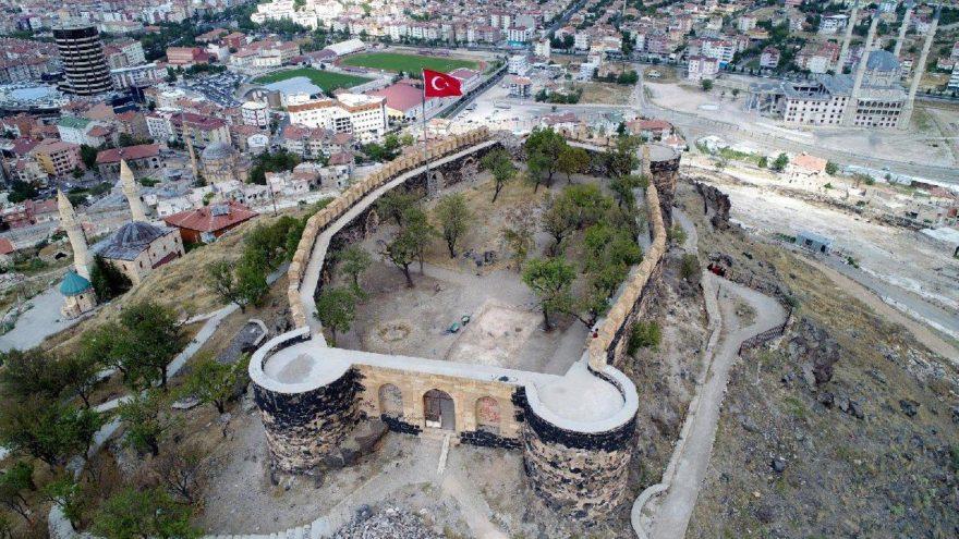 Nevşehir Kalesi'ndeki kazı çalışmaları tamamlandı