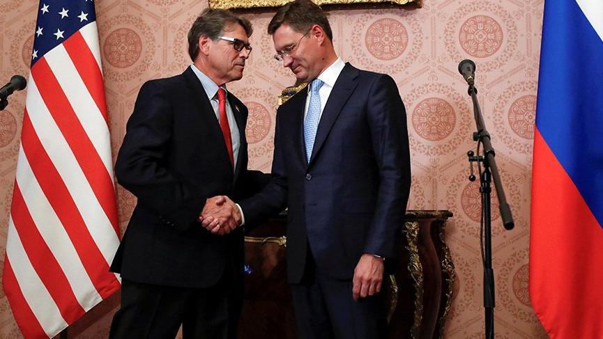 Amerikalı ve Rus enerji bakanları Rusya'da buluştu