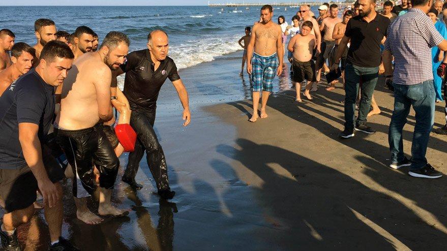 Samsun'da boğulma tehlikesi geçiren gencin duran kalbi çalıştırıldı