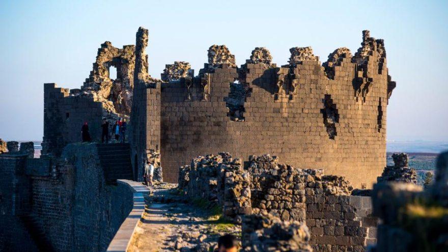 Diyarbakır gezilecek yerler: Diyarbakır Kalesi ve Hevsel Bahçeleri ile gezi noktaları…
