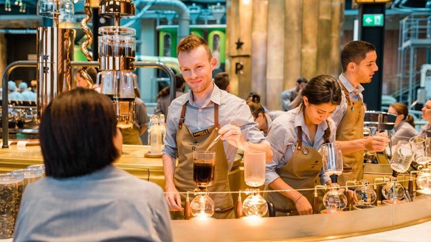 Sonunda bu da oldu… Yıllar boyunca uğraşan Starbucks İtalya'da ilk şubesini açtı