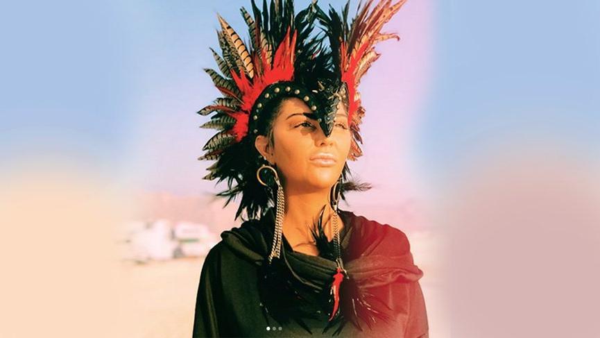 Süreyya Yalçın'ın Burning Man kostümleri dikkat çekiyor