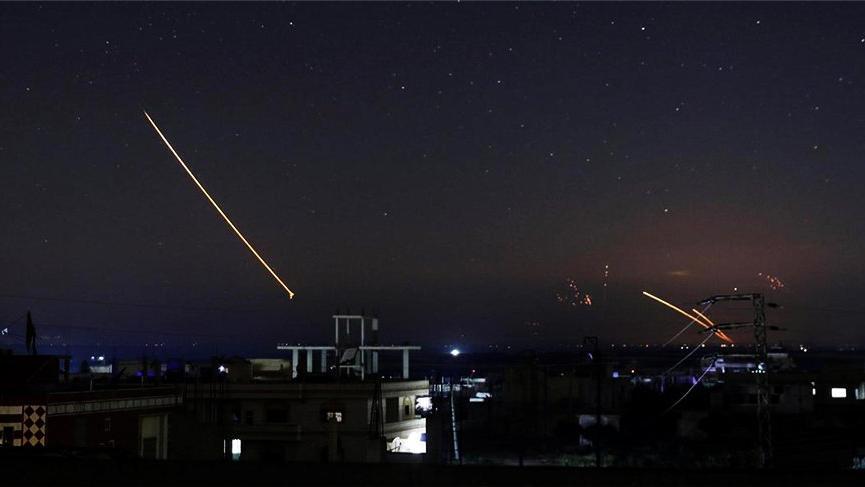 'Suriye, İsrail'in Şam Havalimanı'na yönelik saldırısını püskürttü'