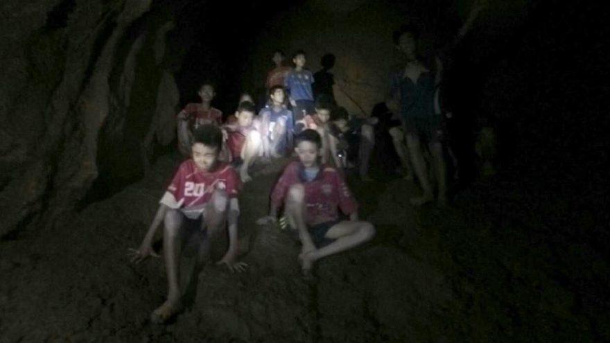 Tayland'lı çocukların kurtarıldığı mağarayı anlatan The Cave'in yönetmeni belli oldu
