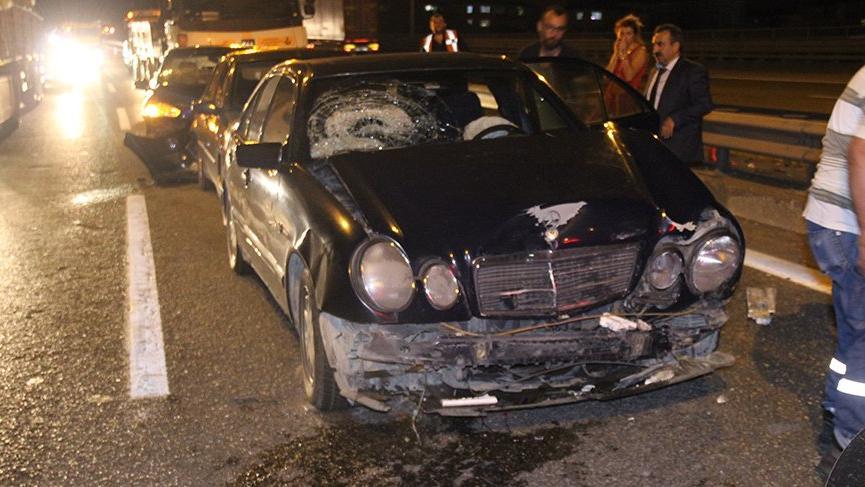 TEM'de 5 araç birbirine girdi: 7 yaralı