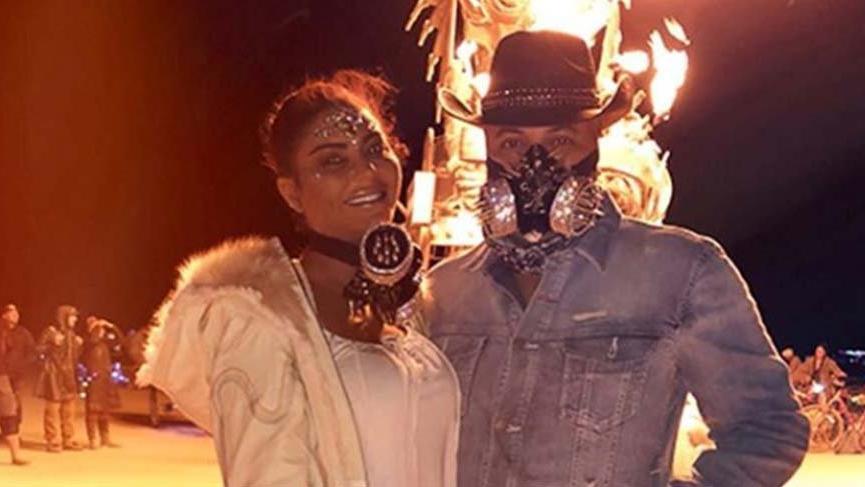 Süreyya Yalçın'ın Burning Man kostümleri olay olmaya devam ediyor