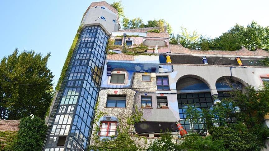 Viyana'nın ünlü Hundertwasser Apartmanı