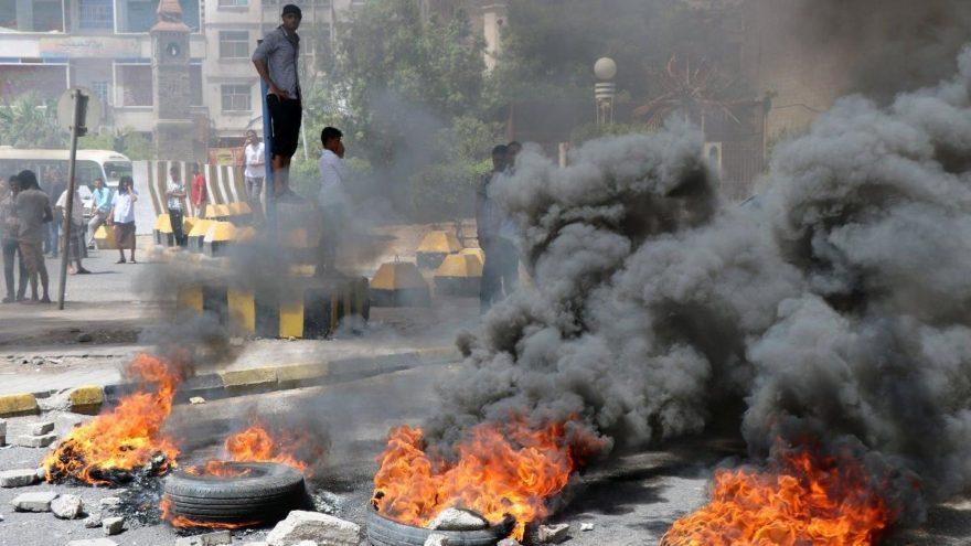 Yemen'de paranın değer kaybı lüks ürünlerin ithalatını durdurdu