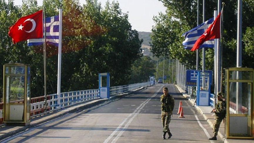 Yunanistan tarafında gözaltına alınan iki Türk askeri serbest bırakıldı