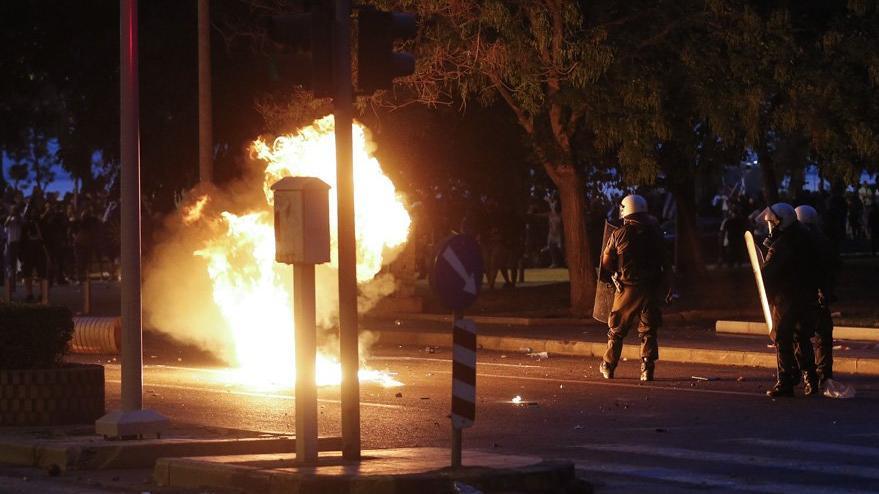 Yunanistan karıştı! Binlerce kişi sokaklara döküldü