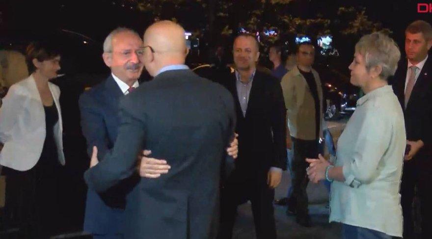 Enis Berberoğlu akşam saatlerinde CHP lideri Kemal Kılıçdaroğlu ile buluştu. DHA