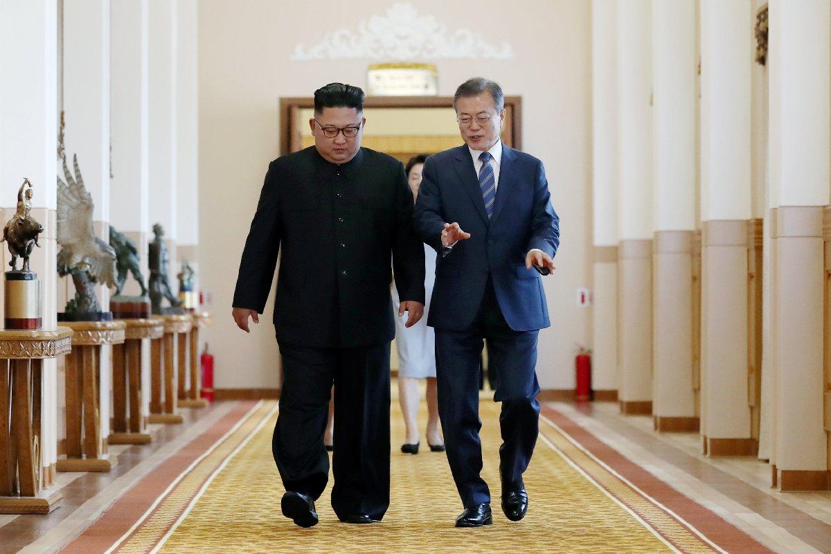 İki lider samimi tavırlarıyla dikkat çekti.