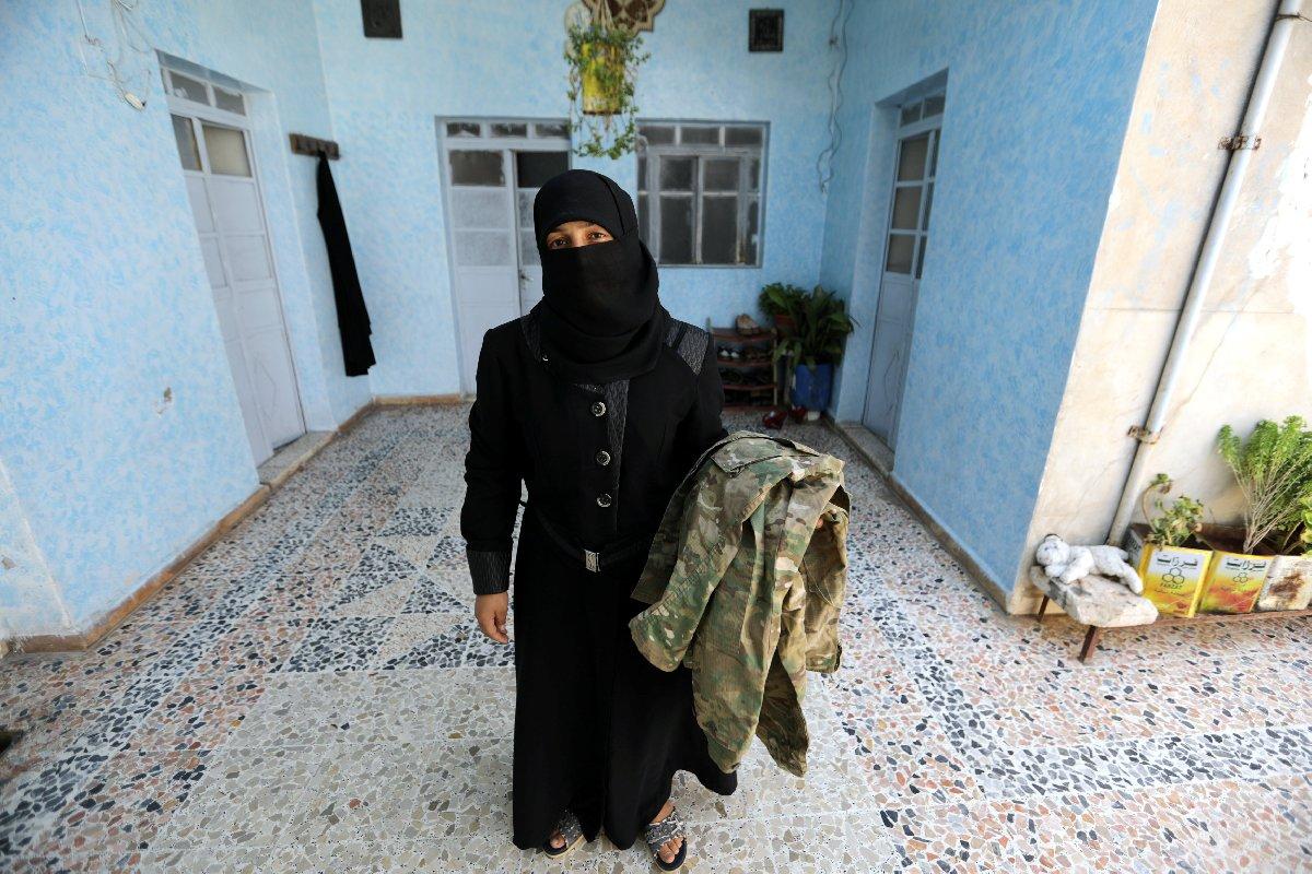 Afrin'de mayına basarak hayatını kaybeden askerin eşi Malak, Türkiye'ye taşınacağını söyledi.