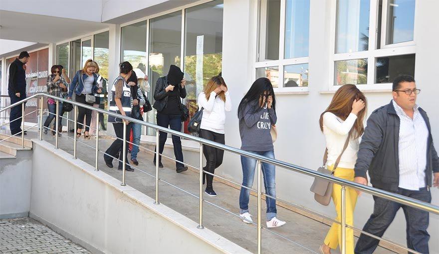 FOTO: DHA- Trabzon'da 16 kadın fuhuş yaptıkları gerekçesiyle gözaltına alındı.