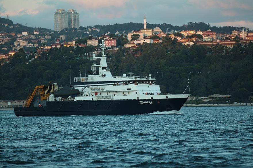 FOTO: DHA- Rus arama kurtarma gemisi boğazdan geçti