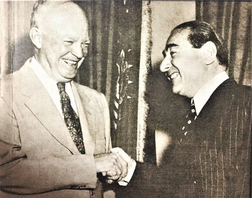 ABD Başkanı D. Eisenhower, 9 Ekim 1959'da Adnan Menderes'i kabul etmişti. Eisenhower, Menderes'e bir de imzalı fotoğrafını vermişti.