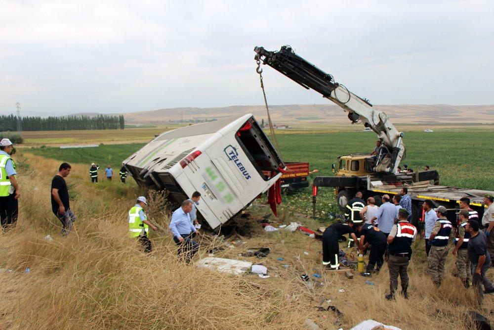 FOTO:İHA - Kazada 6 kişi yaşamını yitirmişti.