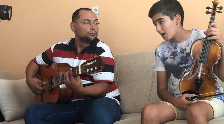 Almanya'da Mozart ödülüne layık görülen 13 yaşındaki Ali İnsan ile ilgili görsel sonucu