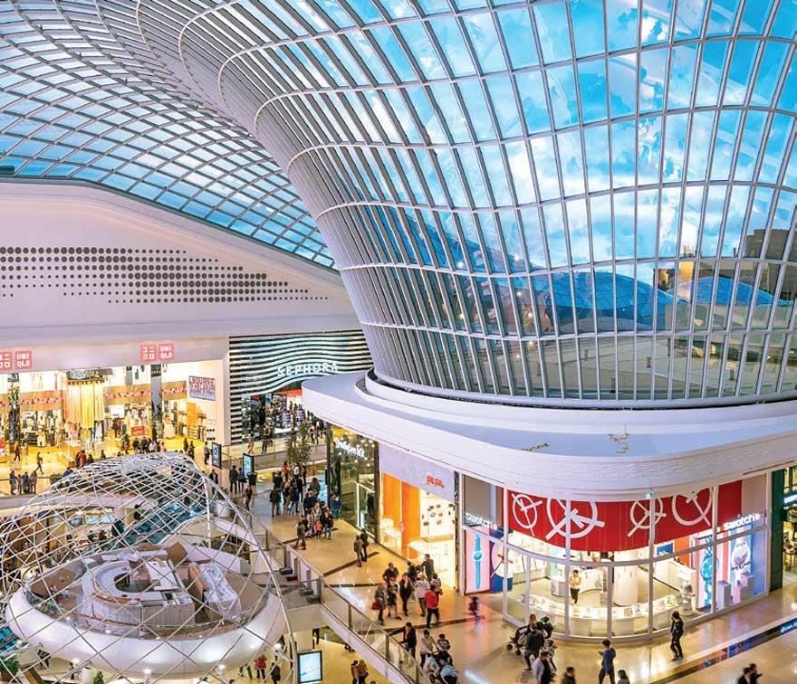 Dövizle kiralamaları yasaklayan kararname özellikle alışveriş merkezlerindeki mağazaları yakından ilgilendiriyor.