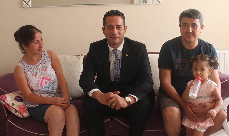 CHP ... Milletvekili engelli öğretmen ... evinde ziyaret etti.