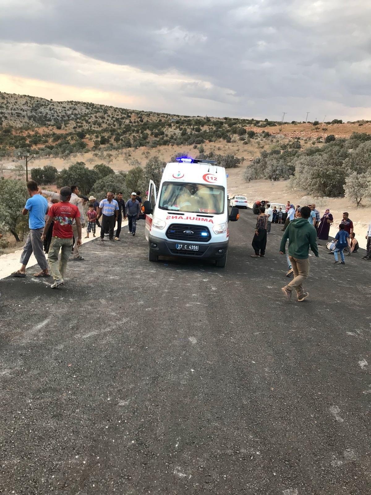 ç. Sadece Gaziantep'te son bir hafta içerisinde meydana gelen 3 trafik kazasında 8 tarım işçisi öldü, 43 tarım işçisi de yaralandı.