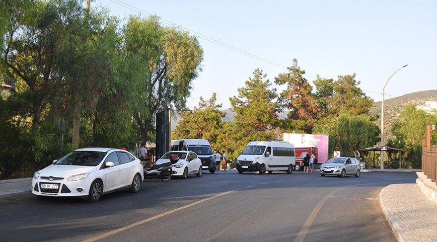 İcra işlemi nedeniyle yaklaşık 700 yerli ve yabancı turist çevredeki otellere yerleştirildi. FOTO:AA