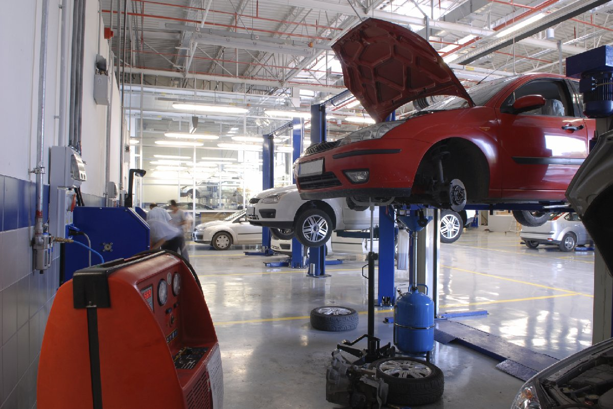 some-tips-on-choosing-right-garage-for-car-repair