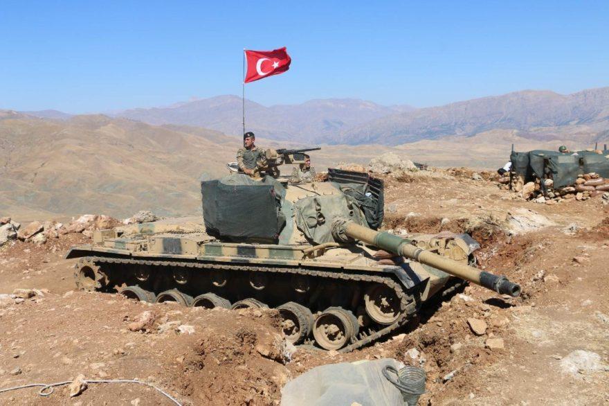 Kale gibi korunan bölgede tanklar da bulunuyor Fotoğraf: İHA
