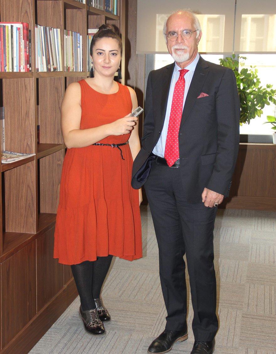 """15 TEMMUZ'DAN HİÇ DERS ALINMADI Durakoğlu, Hande Zeyrek'in sorularını yanıtladı. Durakoğlu, """"15 Temmuz'dan hiç ders alınmadı. Çünkü 15 Temmuz'la ilgili bir tahlil yapmadılar"""" dedi."""