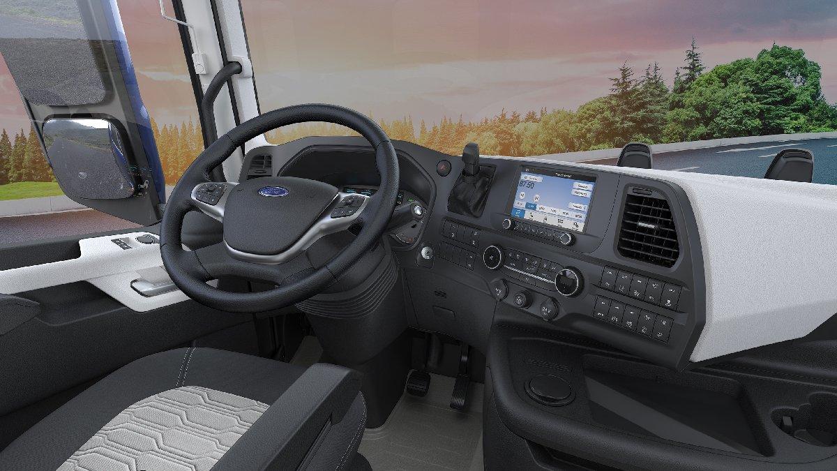1538782719_new_ford_trucks_f_max__19_