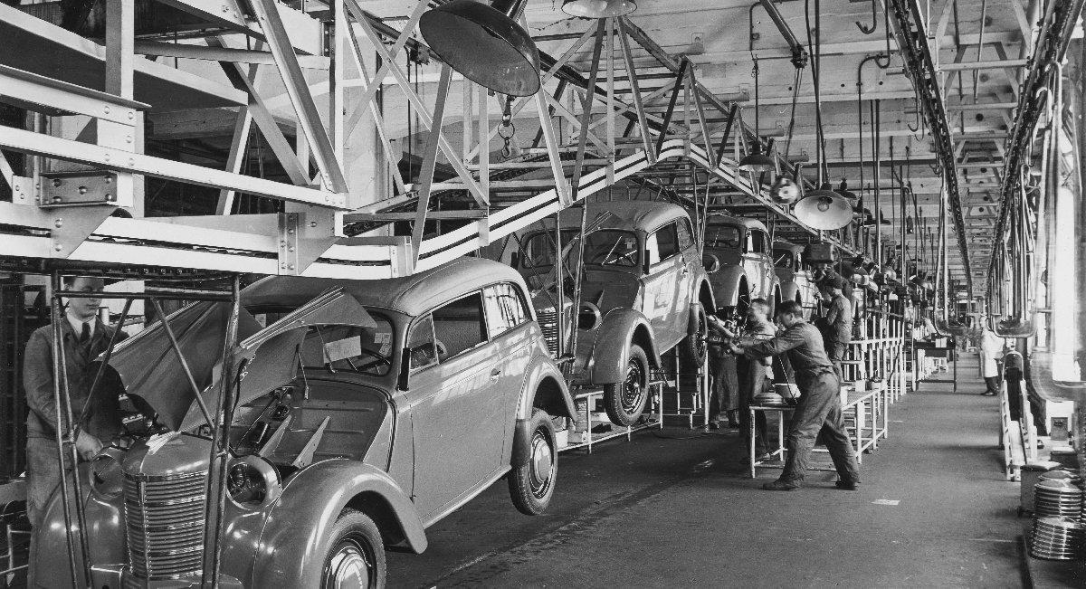 1938 yılı Opel fabrikası montaj hattı.